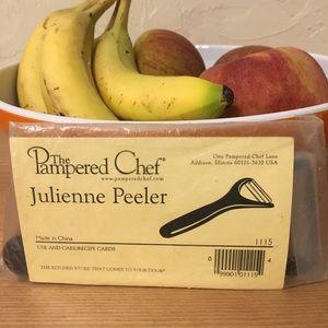 Pampered Chef Julienne Peeler New in Bag
